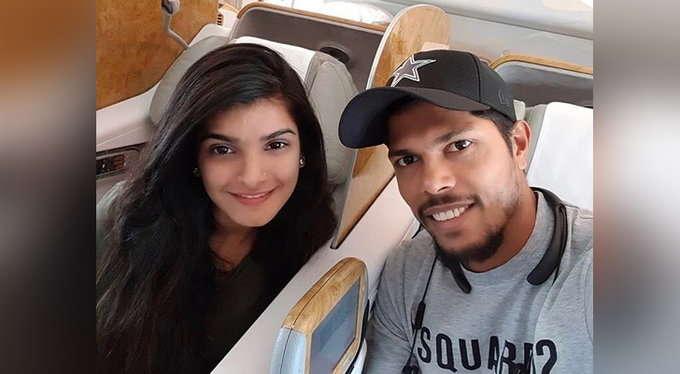SAvIND: 2-1 से श्रृंखला हारने के पत्नी संग भारत लौटा यह दिग्गज भारतीय खिलाड़ी, सोशल मीडिया पर शेयर की तस्वीर 1