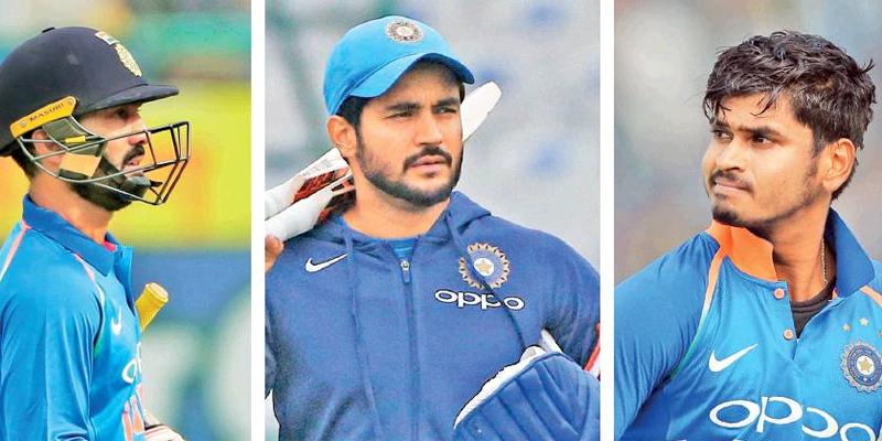 विराट कोहली बर्बाद कर रहे है इन 3 खिलाड़ियों का करियर, आउट ऑफ फॉर्म होने के बाद भी इस खिलाड़ी को लगातार मिल रहा है टीम में मौका 49