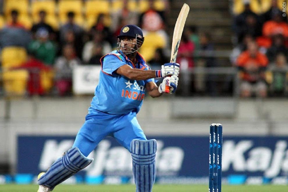 महेंद्र सिंह धोनी की वजह से खत्म हुआ इन 7 खिलाड़ियों का करियर, 4 ने तो ले लिया संन्यास लेकिन 3 अभी भी कर रहे संघर्ष