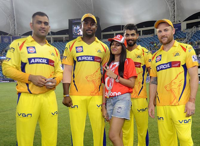 IPL 2018: आईपीएल से ठीक पहले चेन्नई ने धोनी, जडेजा और रैना की शेयर की ऐसी तस्वीर जो सोशल मीडिया पर हो रहा है वायरल 23
