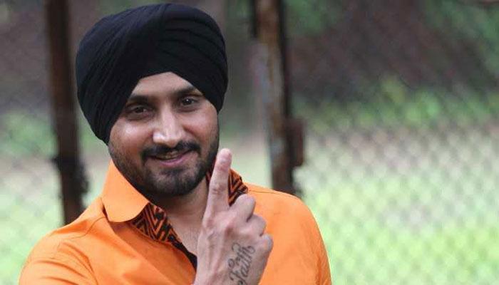 टर्बनेटर हरभजन सिंह ने क्रिकेट छोड़ की नई पारी की शुरूआत, लॉन्च किया अपना तीसरा एल्बम 4