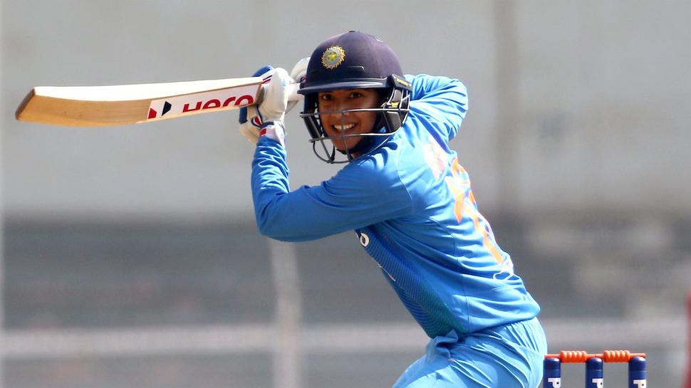 भारत की धाकड़ बल्लेबाज स्मृति मन्धाना ने इस विदेशी टीम के साथ किया करार, ऐसा करने वाली भारत की पहली खिलाड़ी बनी मन्धाना