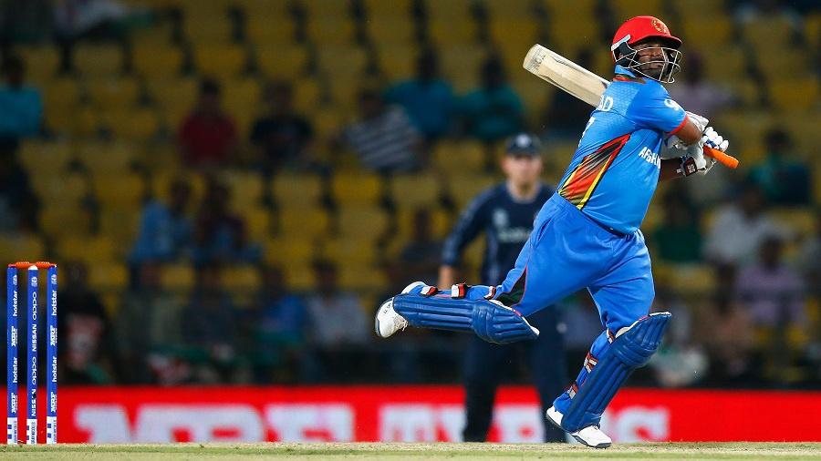 VIDEO: बिल्कुल महेंद्र सिंह धोनी की तरह हेलीकॉप्टर शॉट खेलता है यह अफगानिस्तानी खिलाड़ी नहीं है यकीन तो देख लीजिये ये वीडियो