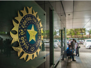 पद बचाने के लिए एन श्रीनिवासन के शरण में पहुंचे बीसीसीआई अधिकारी, पहले किया था श्रीनिवासन का विरोध 2