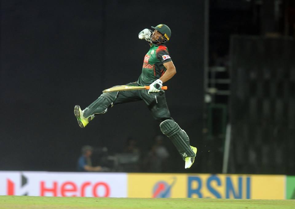 शर्मनाक: जीत के बाद बांग्लादेशी टीम ने तोड़ा ड्रेसिंग रूम का दरवाज़ा, घटना के बाद आईसीसी कर सकता हैं सख्त कार्यवाही 2