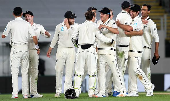 ऑकलैंड टेस्ट : न्यूजीलैंड की पारी और 49 रनों से जीत