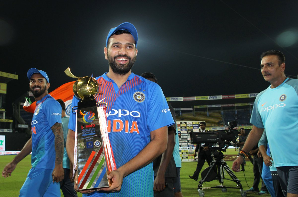 इस कारण रोहित शर्मा ने नहीं देखा दिनेश कार्तिक का मैच विनिंग शॉट 15