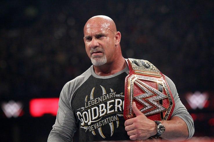 ये फैसले साबित करते हैं कि अब विन्स मैकमोहन को WWE की कमान शेन मैकमोहन को दे देनी चाहिए 2