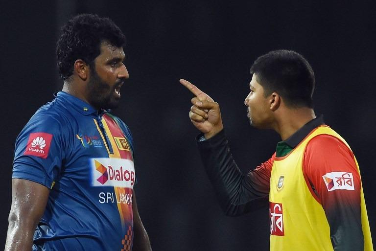शर्मनाक: जीत के बाद बांग्लादेशी टीम ने तोड़ा ड्रेसिंग रूम का दरवाज़ा, घटना के बाद आईसीसी कर सकता हैं सख्त कार्यवाही 5