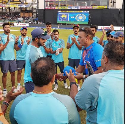 किसने क्या कहा : विजय शंकर को मिला अंतर्राष्ट्रीय क्रिकेट में डेब्यू करने का मौका, सोशल मीडिया पर दिखा जबरदस्त क्रेज 1