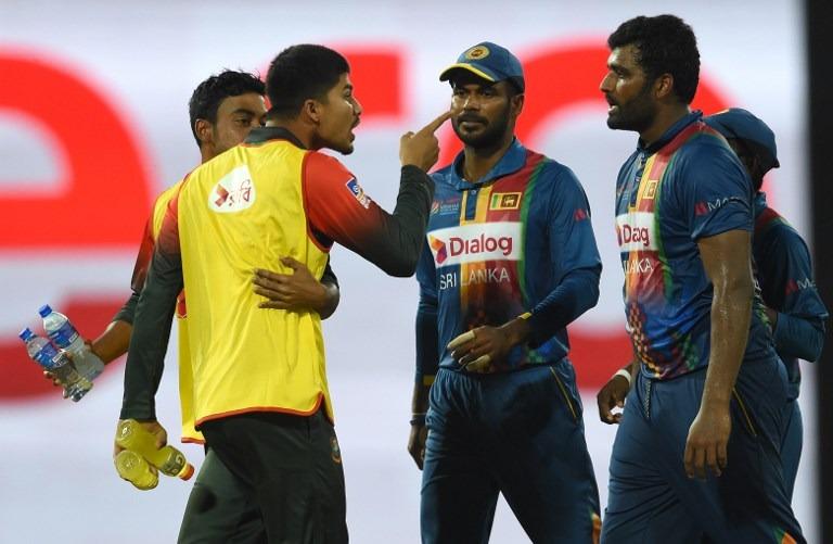 शर्मनाक: जीत के बाद बांग्लादेशी टीम ने तोड़ा ड्रेसिंग रूम का दरवाज़ा, घटना के बाद आईसीसी कर सकता हैं सख्त कार्यवाही 3