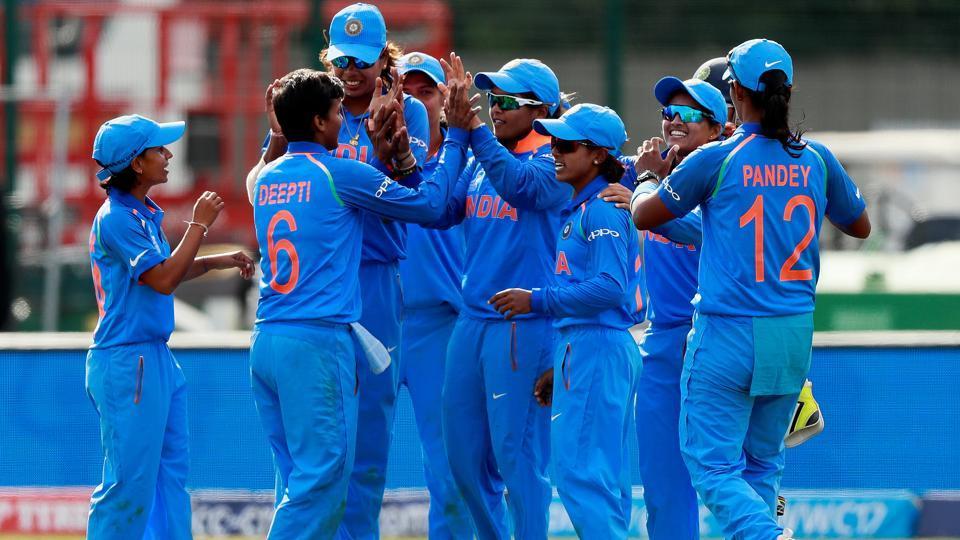 26 साल की इस भारतीय महिला गेंदबाज के सामने घुटने टेकी इंग्लैंड, भारत ने दी 8 विकेट से करारी शिकस्त 3
