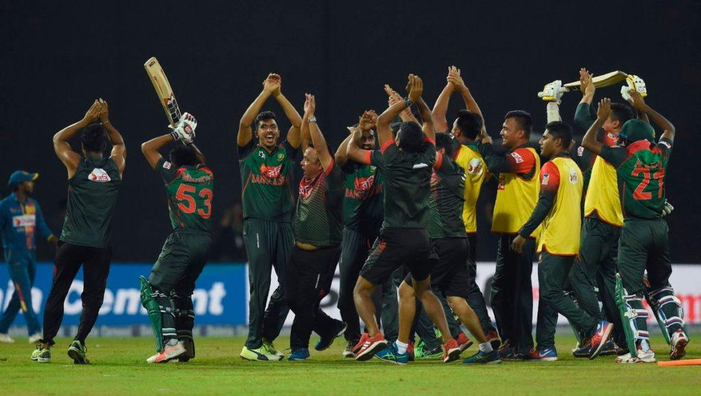 शर्मनाक: जीत के बाद बांग्लादेशी टीम ने तोड़ा ड्रेसिंग रूम का दरवाज़ा, घटना के बाद आईसीसी कर सकता हैं सख्त कार्यवाही 4