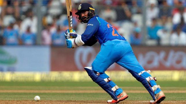 महेंद्र सिंह धोनी की अनुपस्थिति में कार्तिक की मैच फिनिशिंग पारी देख अश्विन ने कार्तिक के लिए कही ये बात 37