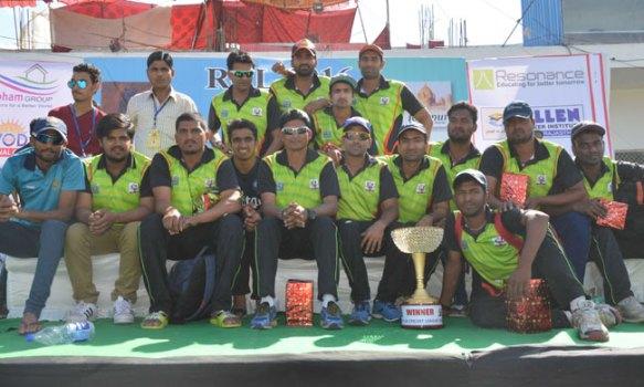 अलग-अलग क्रिकेट लीग में अलग-अलग नाम से खेल रहा है यह भारतीय खिलाड़ी, हकीकत आई सामने अब खत्म हो सकता है करियर! 4