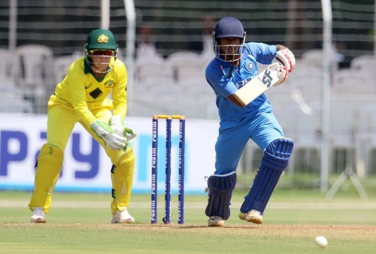VIDEO: इस खिलाड़ी ने लगाया ऐसा छक्का की बिखर गया पूरा स्कोरबोर्ड, शॉट देख आप भी हो जायेगे इस भारतीय खिलाड़ी के फैन 1