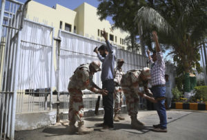 Heavy security greets return of cricket to Karachi after nine years
