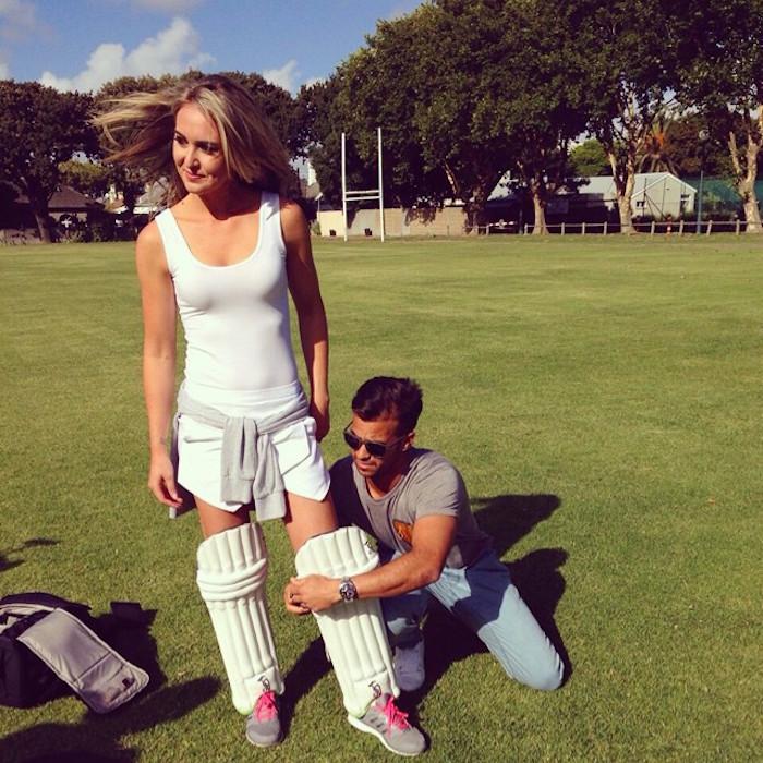 PHOTOS : आईपीएल 2018 में खूबसूरती के मामले पर मयंती लैंगर को भी मात दे रही है मुंबई इंडियंस के इस खिलाड़ी की पत्नी 3