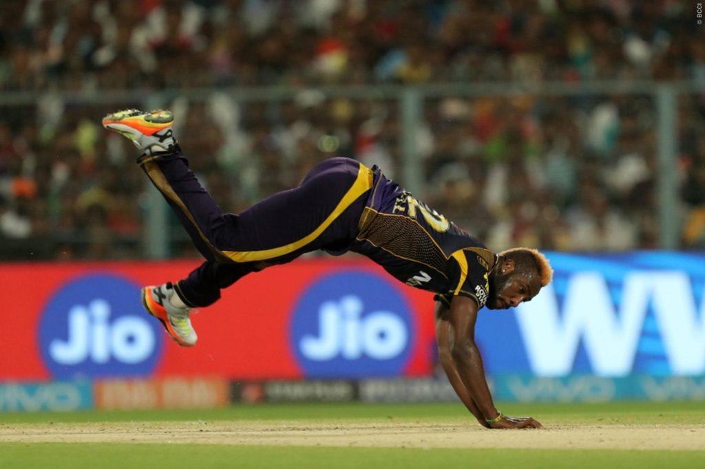 दर्द से कराहते हुए मैदान पर ही लेट गये आंद्रे रसल, तो विरोधी टीम के लोकेश राहुल ने किया कुछ ऐसा जीता करोड़ो लोगो का दिल 3