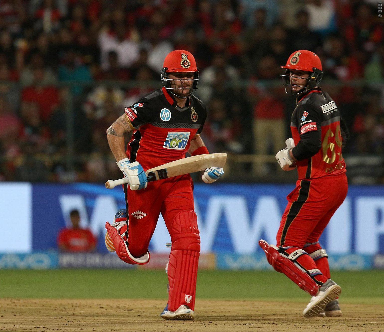 PLAYING XI: 5 मैच हारने के बाद मुंबई के खिलाफ प्ले ऑफ की उम्मीद बरकरार रखने के लिए कोहली अपने इस दिग्गज खिलाड़ी की करायेंगे टीम में वापसी 2