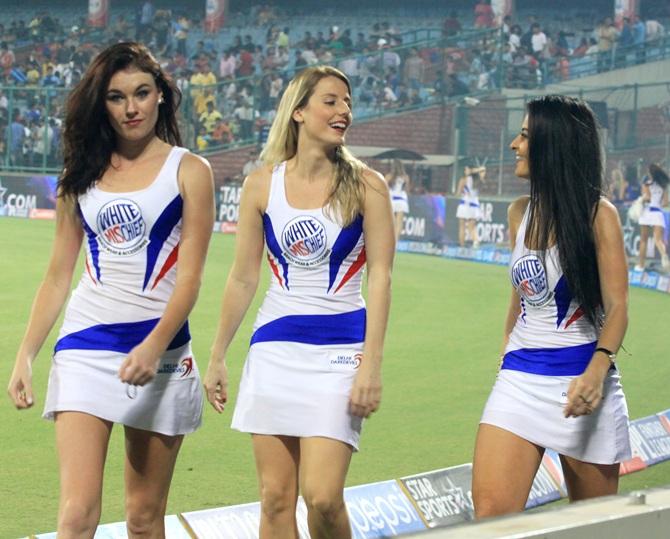 आईपीएल 11 में धूम मचा रही हैं ये खूबसूरत चीयरलीडर्स, दो टीमों की चीयरलीडर्स टीम बाकी सब से काफी अलग