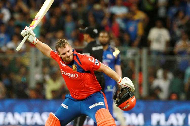 जानें कौन रहा है आईपीएल का पनौती खिलाड़ी, तो किस गेंदबाज ने आठ सालों से नहीं फेंकी 'नो बॉल' 4
