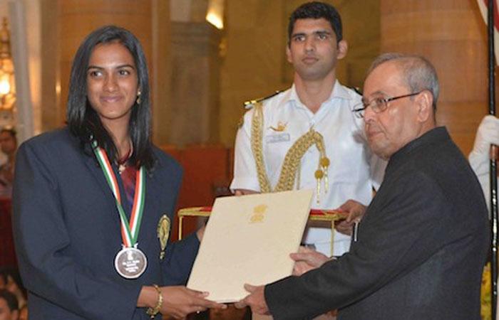 विराट को खेल रत्न तो सुनील गवास्कर और राहुल द्रविड़ का नाम इस बड़े सम्मान के लिए बीसीसीआई ने खेल मंत्रालय को भेजा 2