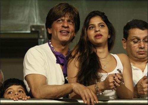 खूबसूरती के मामले में केकेआर की यह प्रशंसक शाहरुख़ खान की बेटी सुहाना को भी देती है मात