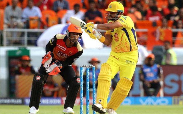 दिल्ली में पहुंच भावुक हुए सुरेश रैना नम आँखों से कहा चेन्नई नहीं बल्कि इस खिलाड़ी के लिए जीतना चाहता हूँ आईपीएल 1