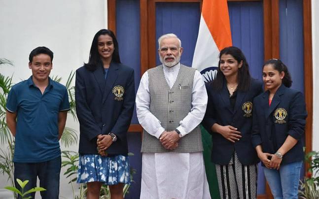 विराट को खेल रत्न तो सुनील गवास्कर और राहुल द्रविड़ का नाम इस बड़े सम्मान के लिए बीसीसीआई ने खेल मंत्रालय को भेजा 3