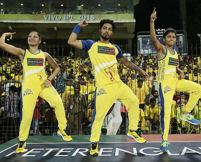 आईपीएल 11 में धूम मचा रही हैं ये खूबसूरत चीयरलीडर्स, दो टीमों की चीयरलीडर्स टीम बाकी सब से काफी अलग 7
