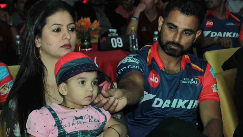 आईपीएल से पहले मोहम्मद शमी ने बेटी की शेयर की ऐसी तस्वीर जो सोशल मीडिया पर हुआ वायरल