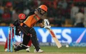 बुरी खबर: पंजाब से मिली हार के साथ ही हैदराबाद को लगा एक और झटका जाने कितने मैचो से बाहर रहेंगे शिखर धवन 3