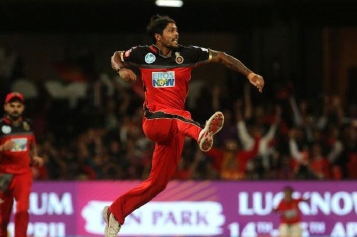 PLAYING XI: 5 मैच हारने के बाद मुंबई के खिलाफ प्ले ऑफ की उम्मीद बरकरार रखने के लिए कोहली अपने इस दिग्गज खिलाड़ी की करायेंगे टीम में वापसी 5