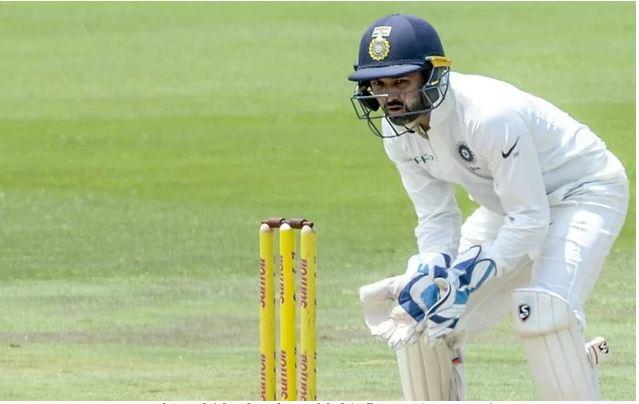 इंग्लैंड के खिलाफ टेस्ट सीरीज से नजरअंदाज किये जाने के बाद धोनी के पास पहुंचे पार्थिव पटेल 2