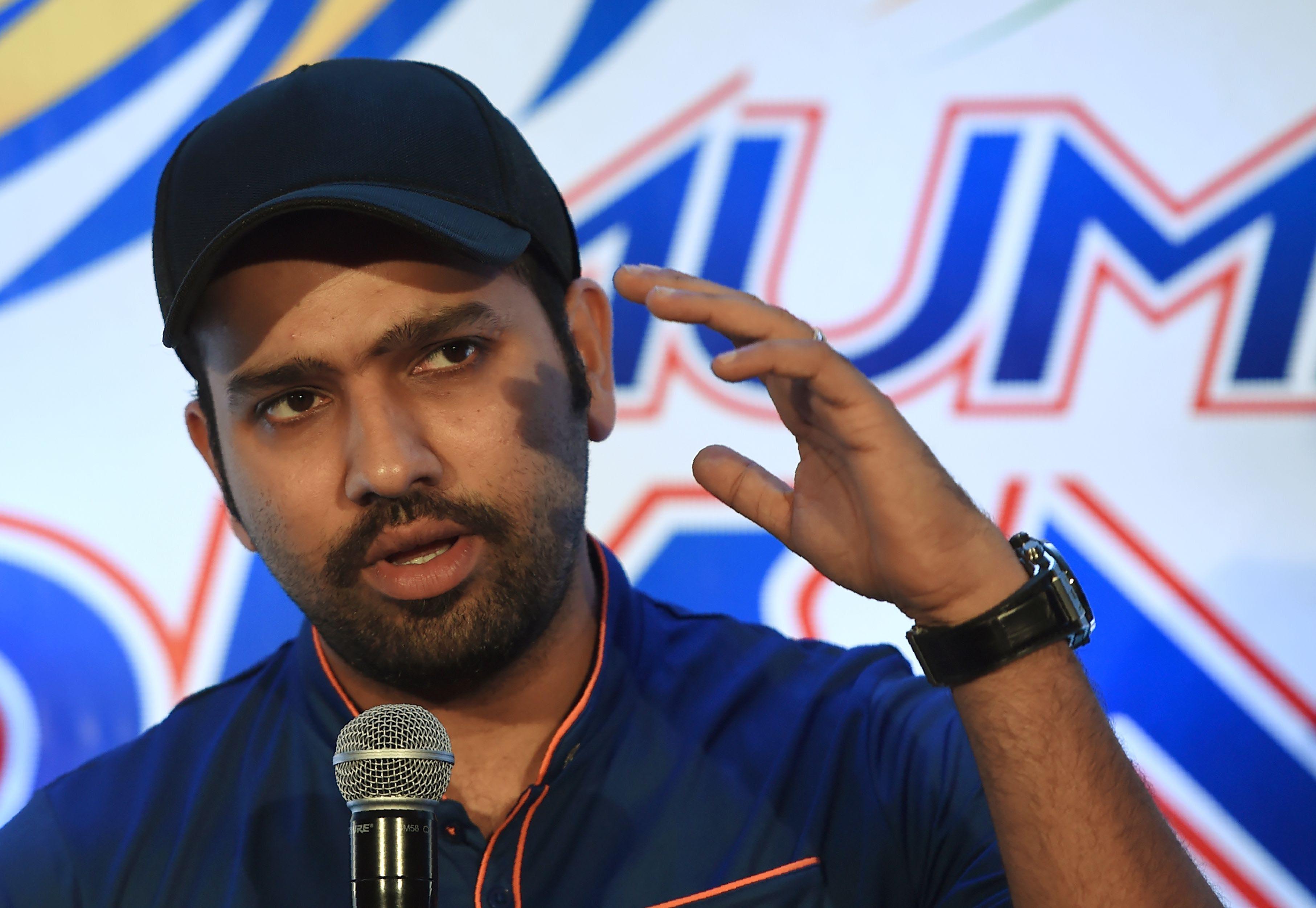 बैंगलोर से मिली हार के बाद रोहित शर्मा ने बताया अभी भी कैसे मुंबई इंडियंस खेल सकती है प्ले ऑफ मैच 34