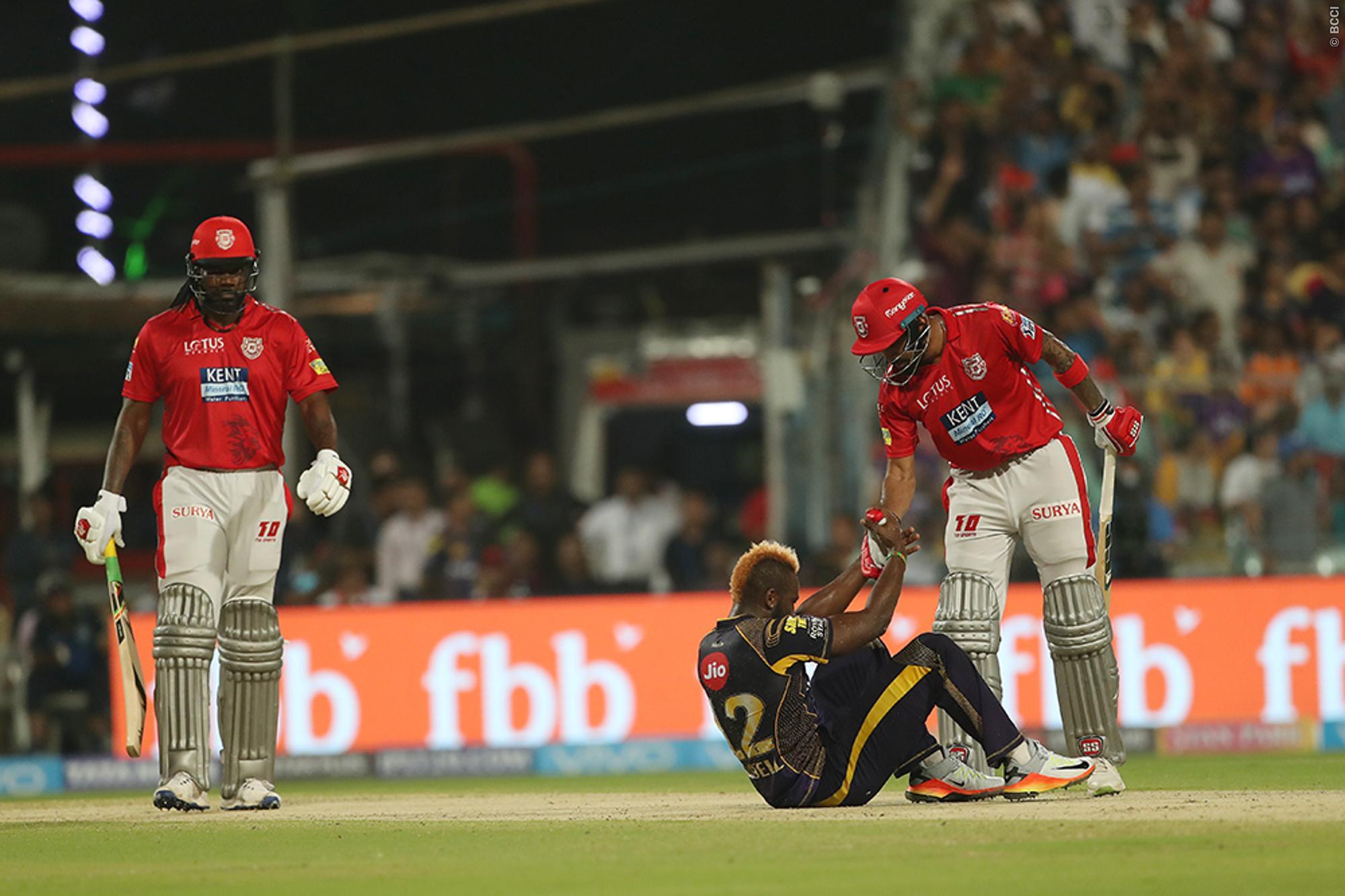 दर्द से कराहते हुए मैदान पर ही लेट गये आंद्रे रसल, तो विरोधी टीम के लोकेश राहुल ने किया कुछ ऐसा जीता करोड़ो लोगो का दिल