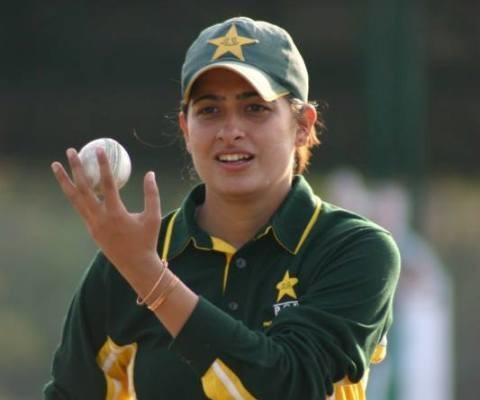 पाकिस्तान क्रिकेट टीम की महिला स्पिनर सना मीर ने किया ब्रेक का ऐलान 3