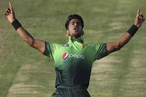 किसने क्या कहा: विकेट का जश्न मनाते हुए हसन अली से हुई ऐसी गलती सोशल मीडिया पर बनाया जा रहा मजाक 28
