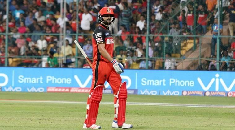 PLAYING XI: 5 मैच हारने के बाद मुंबई के खिलाफ प्ले ऑफ की उम्मीद बरकरार रखने के लिए कोहली अपने इस दिग्गज खिलाड़ी की करायेंगे टीम में वापसी 3