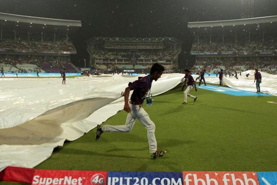 आईपीएल-11: कोलकाता और पंजाब का मैच बारिश से रुका