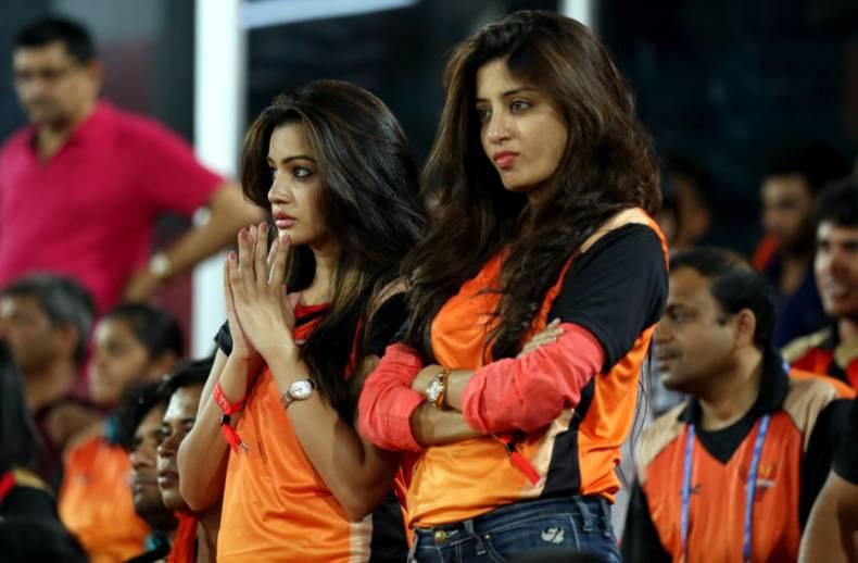 आईपीएल 2018 : रनरअप सनराइजर्स हैदराबाद को सपोर्ट करने वाली मिस्ट्री गर्ल की पहचान का हुआ खुलासा 11