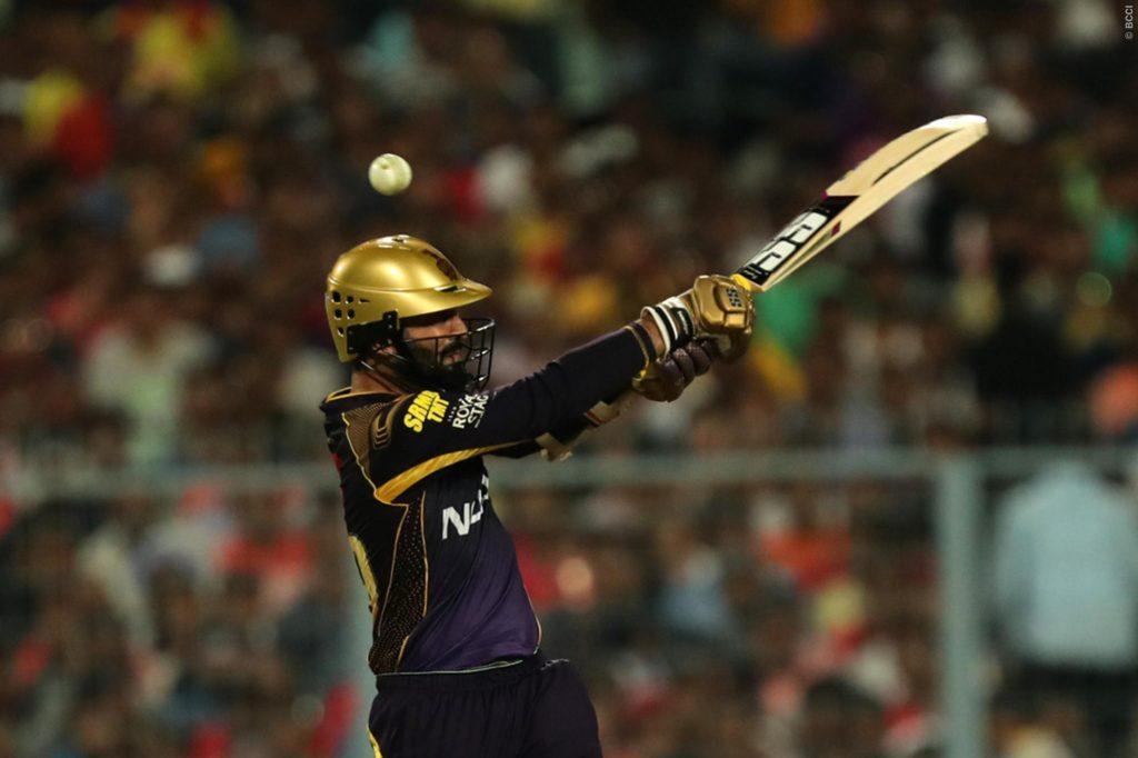 केकेआर के लिए दिनेश कार्तिक अपनी शानदार बल्लेबाजी के दम उथप्पा, गंभीर और सौरव की श्रेणी में आए 3