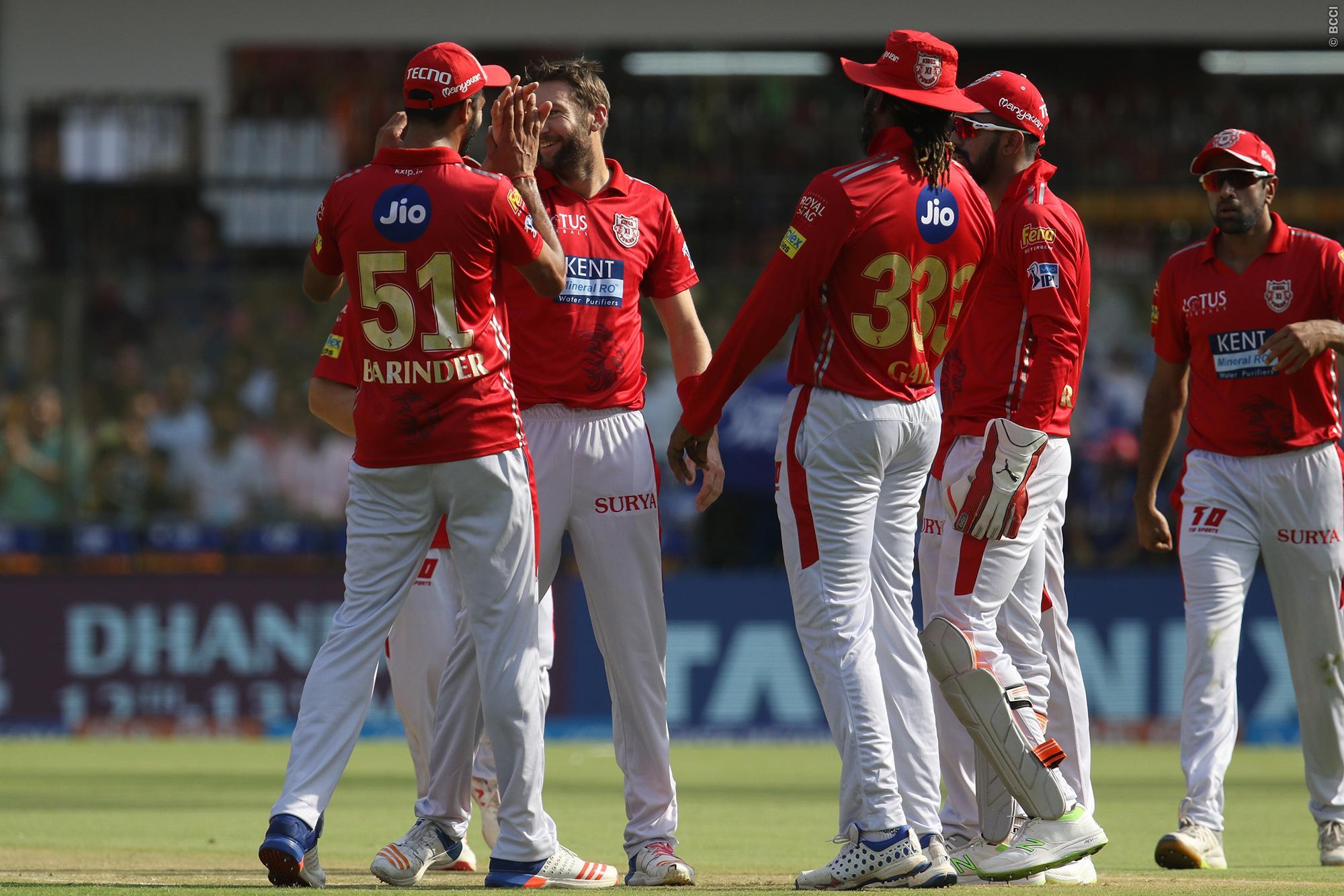 IPL 2018: जानिये सीएसके और हैदराबाद के बाद ये 5 टीमें कैसे कर सकती है प्लेऑफ में प्रवेश ? 2