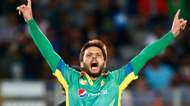 शाहिद अफरीदी ने बताया उस भारतीय बल्लेबाज का नाम जिसके सामने गेंदबाजी करने में छुट जाता था पसीना 1