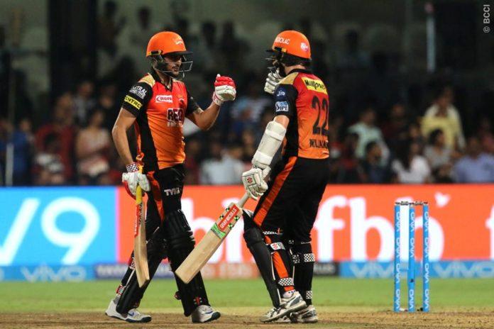 पॉइंट टेबल: चेन्नई के खिलाफ जीतकर प्ले ऑफ का खेल बिगाड़ गयी दिल्ली, अब ये 4 टीम कर रही क्वालीफाई 3