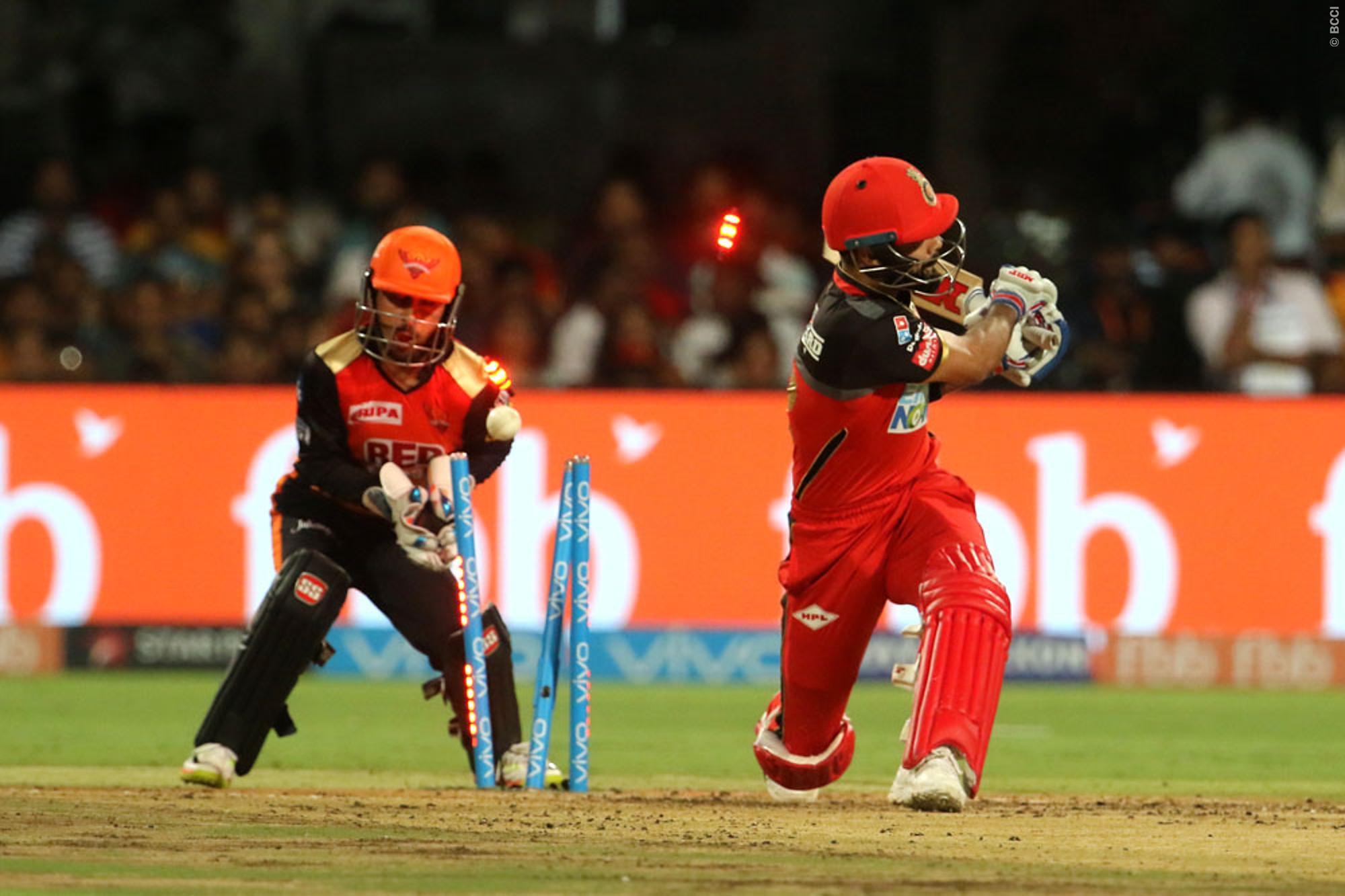 आईपीएल के पिछले 3 सालों से इस कमजोरी से जूझ रहे है भारतीय कप्तान विराट कोहली 20