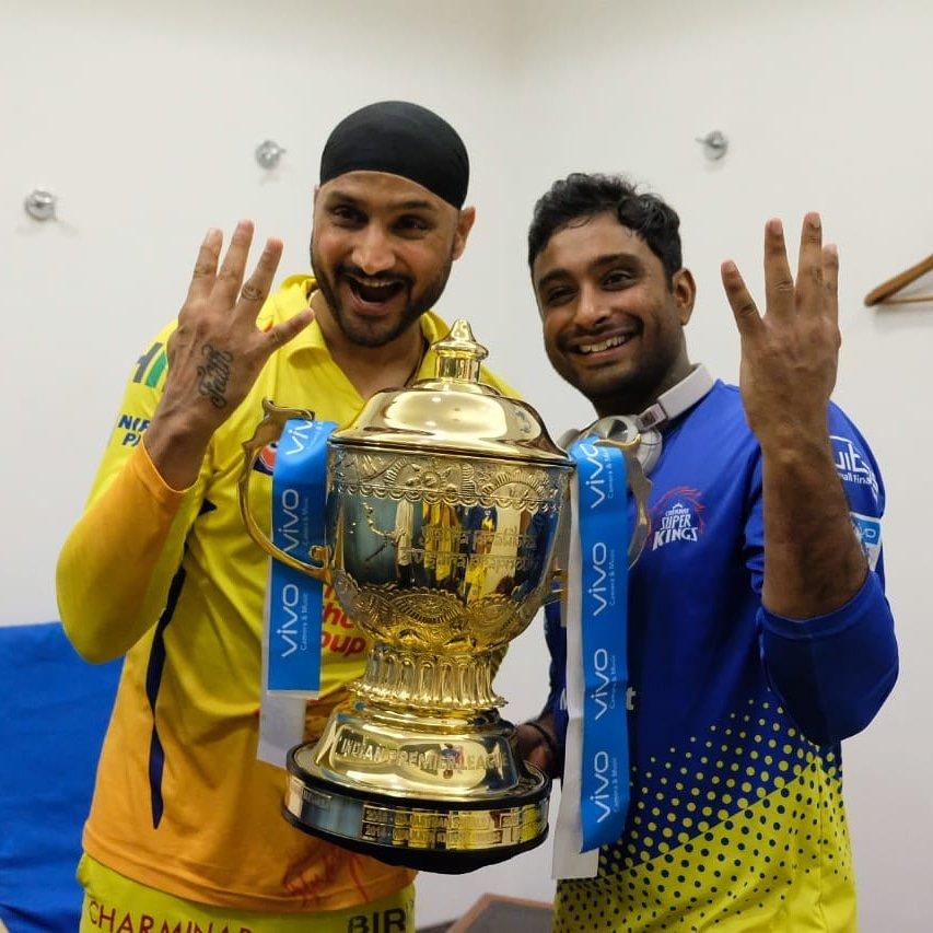 चार बार आईपीएल खिताब जीतने वाली टीम का हिस्सा रहे है हरभजन और रायडू
