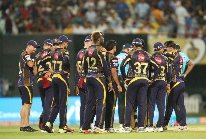 बाल-बाल बची कोलकाता नाईट राइडर्स की टीम, खिलाड़ियों ने कहा करीब से देखा मौत