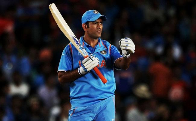 सुरेश रैना ने खोला राज क्यों राजस्थान के खिलाफ मैच के दौरान गुस्से में धोनी ने फेंकी थी गेंद 1